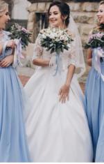 Сукні для дружок блакитного кольору з мереживом.